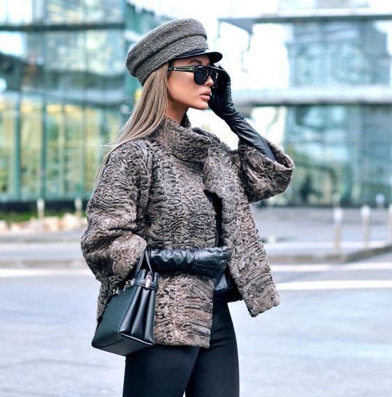 Зимние женские кепки и аксессуары фото