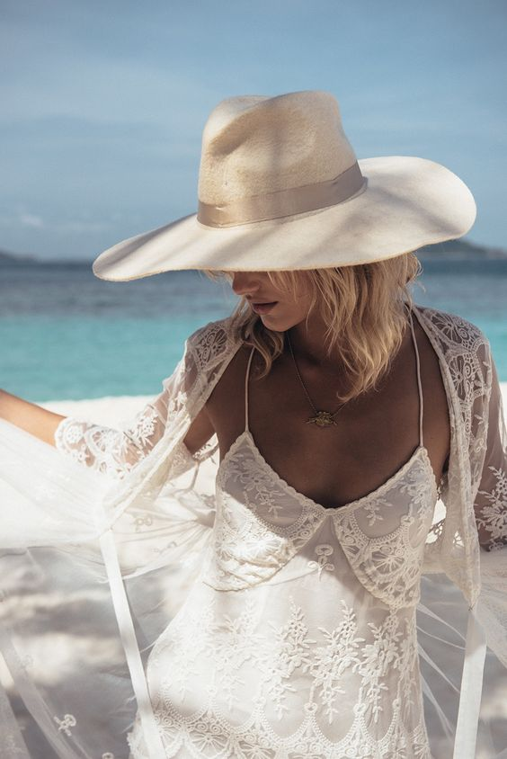Белая шляпа для лета фото