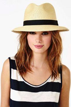 Женская шляпка по знаку зодиака фото