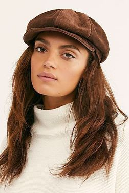 Как носить женскую кепку с короткой стрижкой фото
