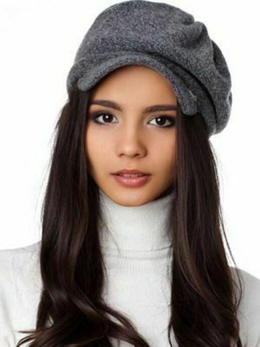 Выбрать осеннюю модную женскую кепку фото