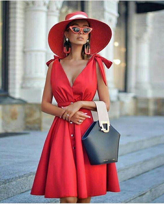 Модные оттенки летних женских шляп фото