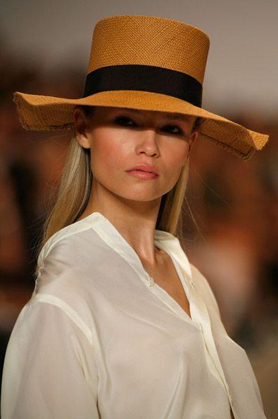 Женские летние головные уборы модные расцветки фото