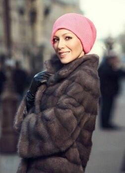 Как носить женские вязаные шапки фото
