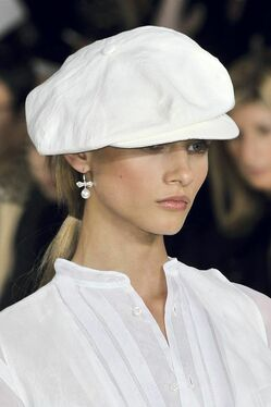 С чем носить летнюю женскую кепку фото