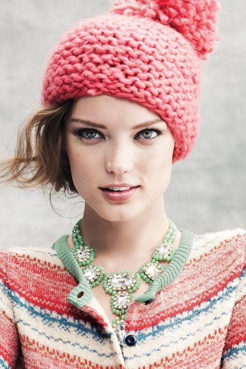 Креативные вязаные шапки фото