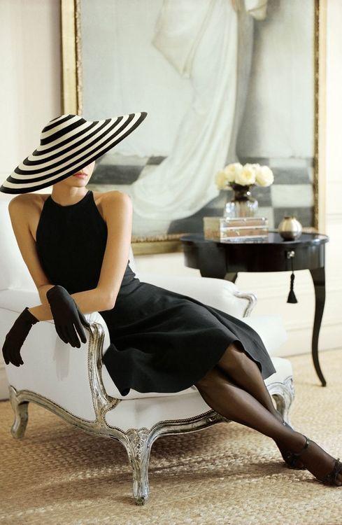 Летняя женская широкополая шляпа фото