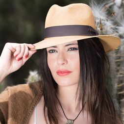 Почему популярна шляпа федора фото