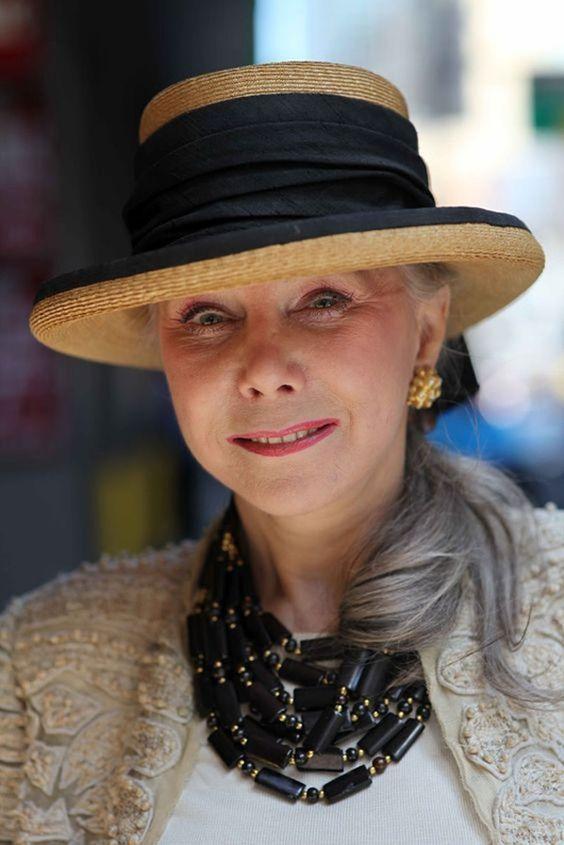 Модные шляпы для женщин за 50 фото