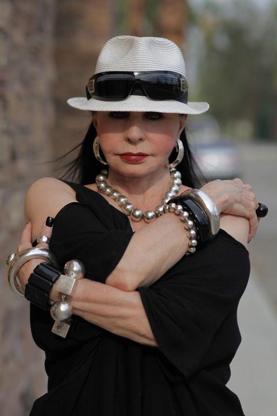 Женские шляпки для пятидеятилетних фото