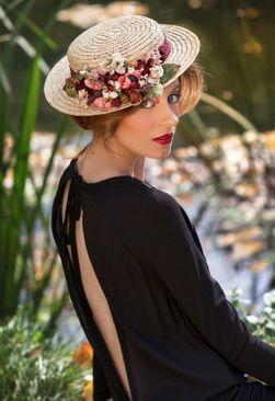 Женская шляпка и декор на ней фото