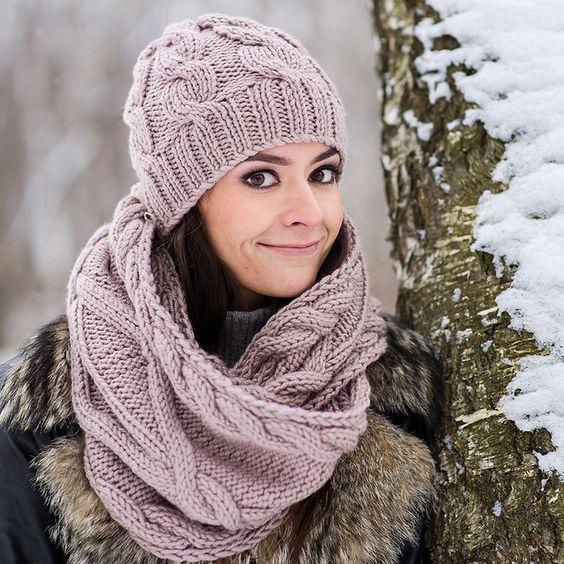 Виды женских вязаных шапок фото